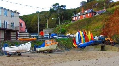 Llangrannog beach - boats